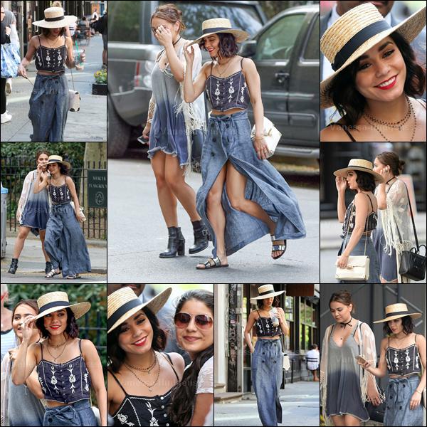 12.05.2015 : Vanessa a d'abord été vue dans les rues de New-York avec sa soeur Stella. Je n'aime pas le bas de sa tenue, mais j'aime bien le haut. Donc BOF. Vos avis ?