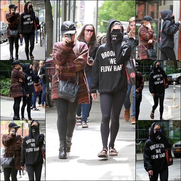 20.05.2015: Vanessa a été vue avec sa s½ur Stella, quittant son appartement à New-York. Je n'aime pas du tout leurs tenues, FLOP. Vos avis ?