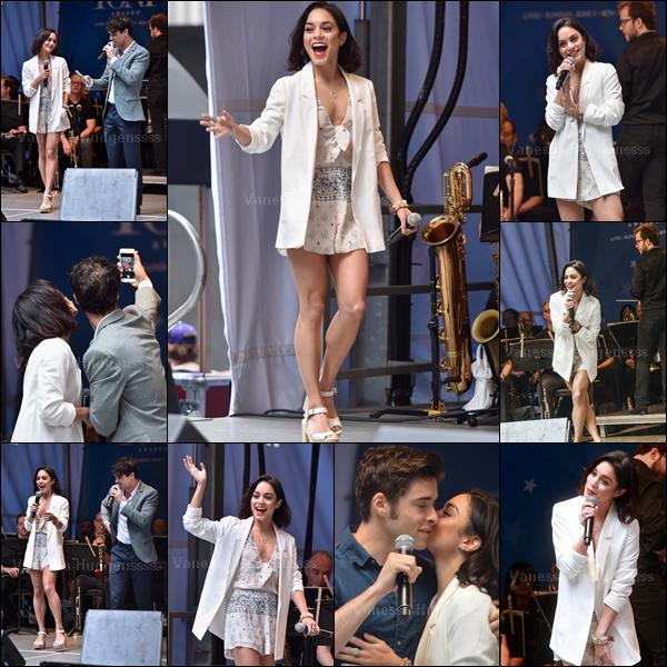 27.05.2015 : Vanessa a d'abord été vue quittant son hotel à New-York. J'aime bien sa tenue, petit TOP. Vos avis ?