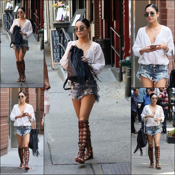 31.05.20015 : Vanessa a été photographiée quittant son appartement à New-York. Je n'aime pas du tout ce style de chaussures, mais ça lui va bien. Petit TOP. Vos avis ?