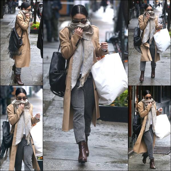 02.06.2015 : Vanessa a été vue quittant son appartement à New-York. Je n'aime pas du tout sa tenue. FLOP. Vos avis ?
