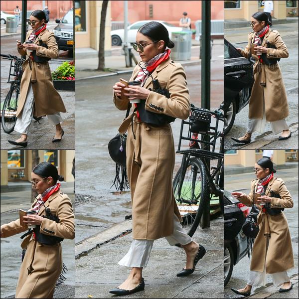 05.06.2015 : Vanessa a été vue quittant son appartement, toujours à New-York. Ça me manque de ne plus la voir à L.A.. Je n'aime pas sa tenue, c'est un FLOP pour ma part. Et pour vous ?