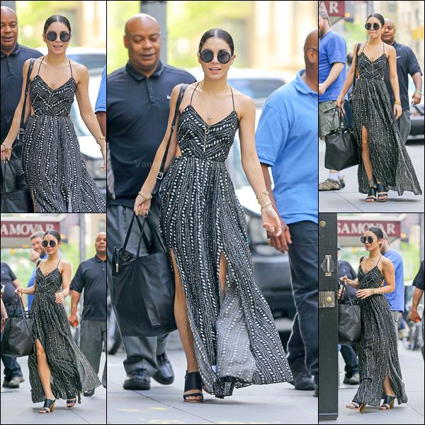 """09.06.2015 : Vanessa a été photographiée arrivant au """"Neil Simon Theatre"""". J'aime bien sa tenue, TOP. Vos avis ?"""