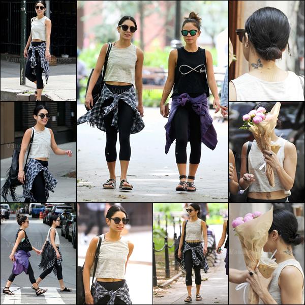 12.06.2015 : Vanessa a été photograhpiée quittant un cours de yoga avec Kim Hidalgo dans Greenwich Village, à New-York. Pour une tenue de sport, ça va. BOF. Vos avis ?