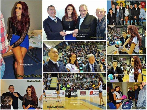 2/03 Delphine a donné le coup d'envoi du match de volley entre l'ASPTT Mulhouse et  Cannes.