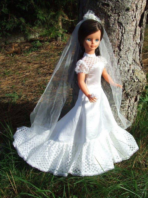 Nouvelle robe de mariée 74 .....