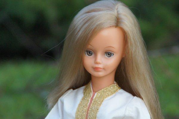 bon dimanche avec ces jolies blondes...