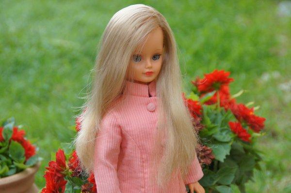 "Cathie en ""Mao"" version rose"