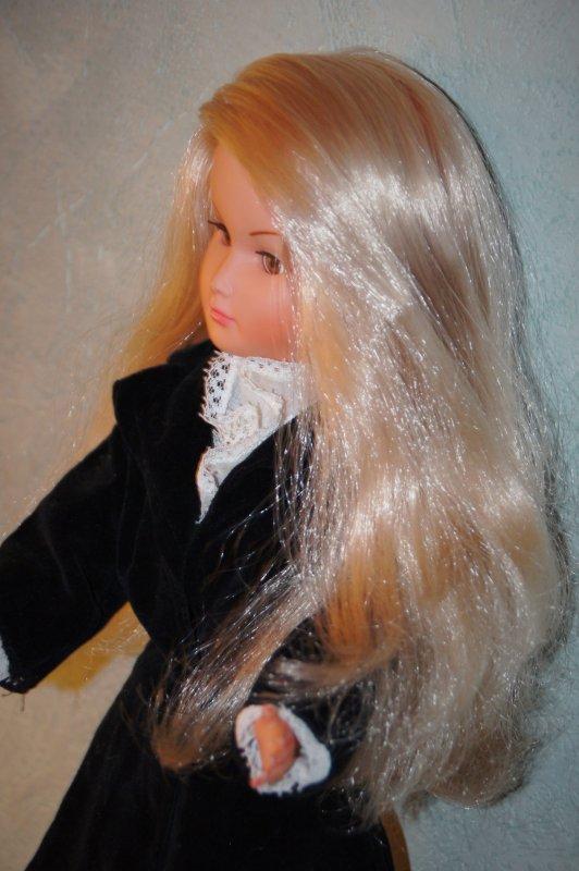 "Merveilleuse nouvelle Dolly en tenue ""Casino"""