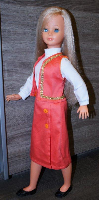 Nouvelle tenue pour Leslie by Géraldine