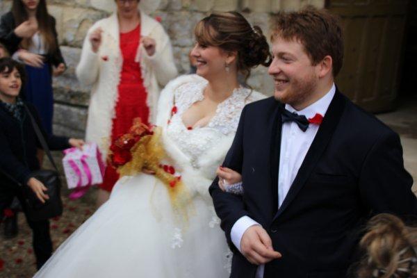 une longue absence, Cathie, Tressy... et un mariage