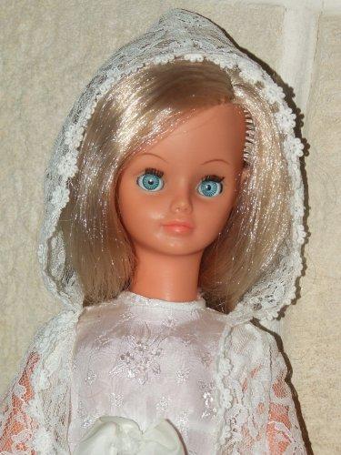 Valou et les poupées de son enfance