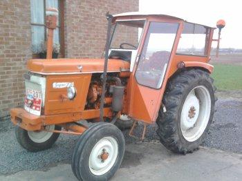 renault super 7 bienvenue dans le monde du tracteur. Black Bedroom Furniture Sets. Home Design Ideas
