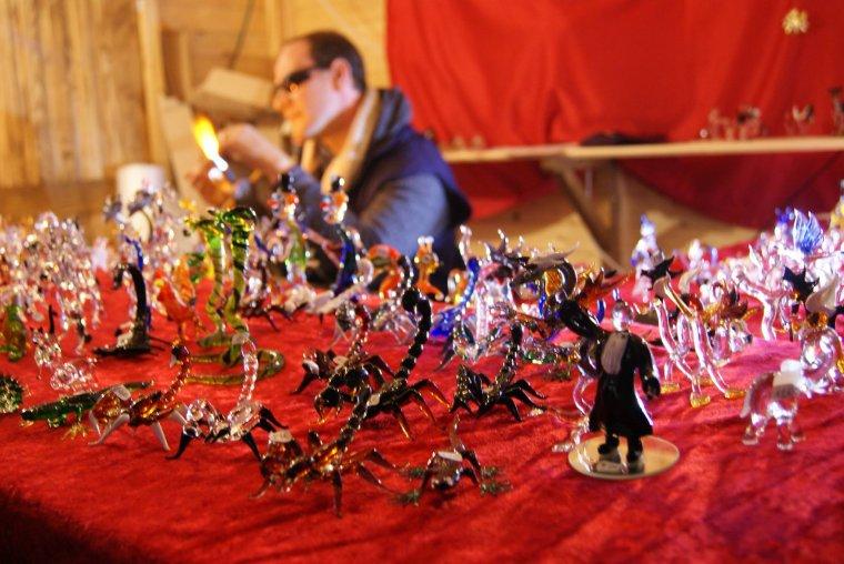 Je suis fan de tout ce qui touche Noël et surtout ces décos !!! Le marché de Noël de Reims !!!