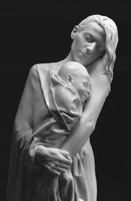 Un clin d'oeil a toutes les mamans avec ces superbes statues !!!