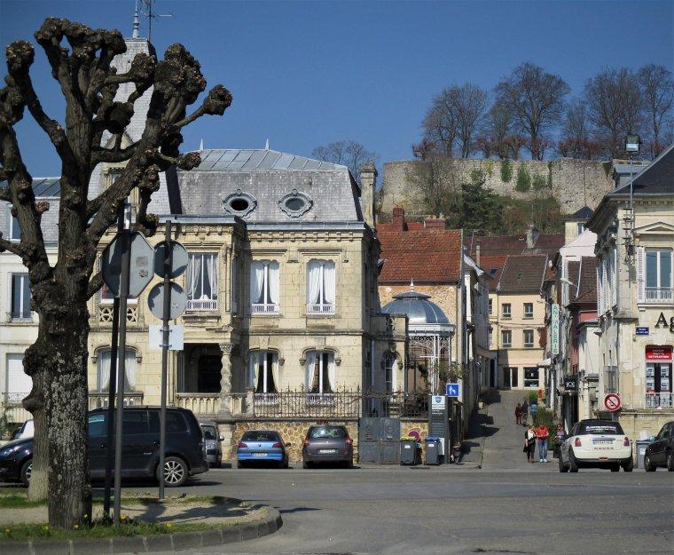 En toute simplicité, la vue de Château Thierry lors d'une ballade au bord de Marne !!! Photo perso !!!