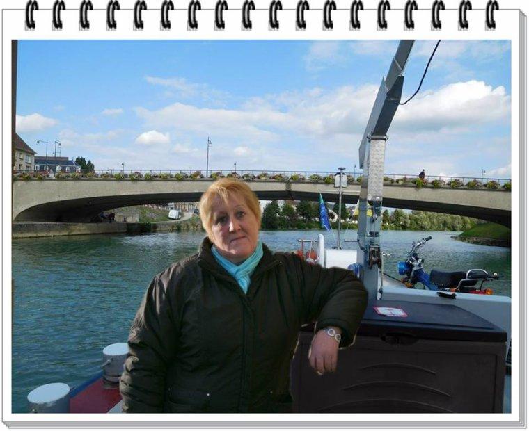 Magnifique création de mon ami Gérard , j'adore, je m'y vois bien sur mon bateau sur la Marne lol , un grand Merci a toi !!!