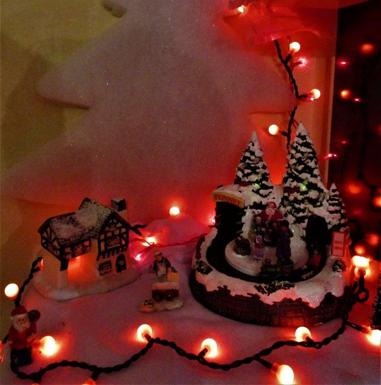 C'est avec mes photos que je viens vous souhaiter a tous une belle nuit de Noël, gros bisous du (l)