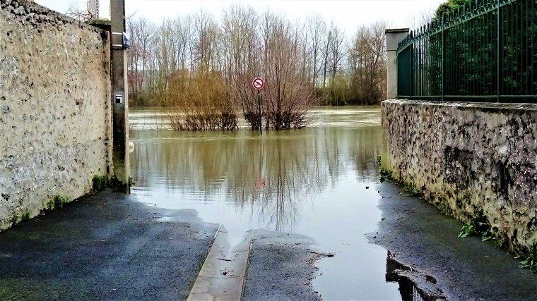 La Marne est en crue .......