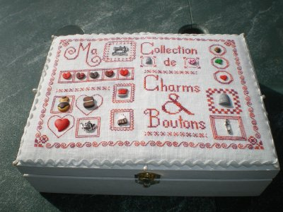 boite charms et boutons