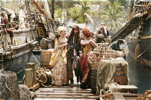« TRINQUONS MES JOLIES YOOOOHOOO » Pirates des Caraïbes♥
