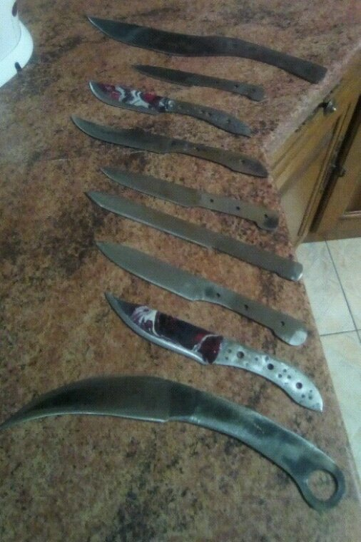 Ma petite collection de couteaux fait artisanalement
