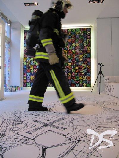 Deco Spray décoration graffiti Paris Salon Designer's days chez Elitis