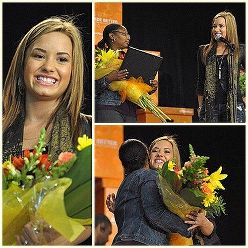 05/10/10 - Demi était à l'école élémentaire Grape Street pour la campagne « A Day Made Better » à L.A
