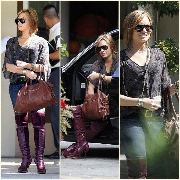 07/10/10 - Demi a été aperçu dans Beverly Hills après un rendez-vous à l'Hôtel Four Seasons
