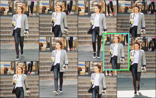 """"""" •  31/05/18    —   Ashley Tisdale est photographiée quittant le « The Coffee Bean & Tea Leaf » dans Los Angeles, Californie.Il y avait bien longtemps qu'on avait pas eu une sortie d'Ashley dans une tenue aussi apprêté, même si je ne suis pas fan ça lui va bien !  """""""