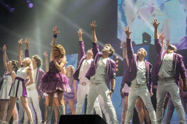 Ser Mejor -> Violetta En Concert !!