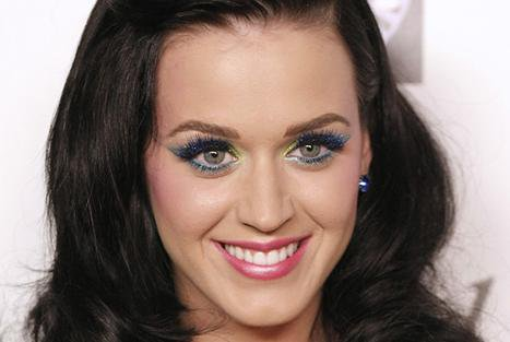 Katy Perry: Son père n'a aucun ressentiment envers Russell Brand