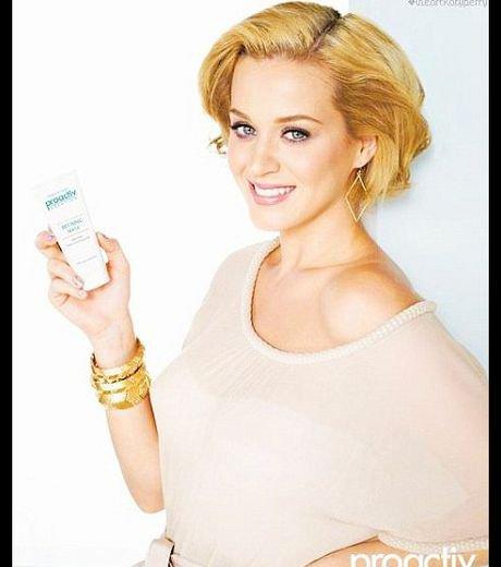 Katy Perry : Elle prête son joli minois à une crème de soin ProActiv