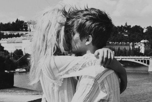 « Souvent nous disons adieu à la personne qu'on aime sans le vouloir. Bien que cela ne signifie pas que nous avons cessé de l'aimer, adieu est parfois une façon pénible à dire Je t'aime. »