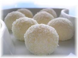 Petite boules a la noix de coco