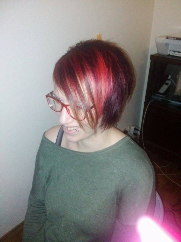 trio couleur violine rouge rose effet tie and dye en pointe miss 39 tif coiffure domicile. Black Bedroom Furniture Sets. Home Design Ideas