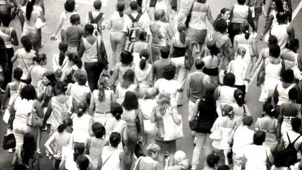 La foule.