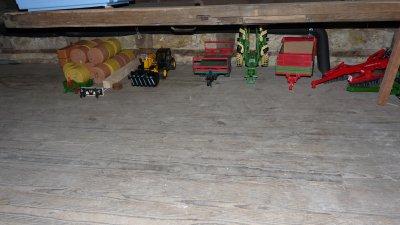 notre 2ème hangard à matériel a la ferme d' Arthur