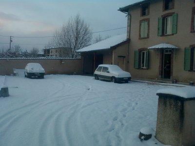 et allez 10 cm de neige chez nous  pour se 26/11/2010 grrrr!!!!