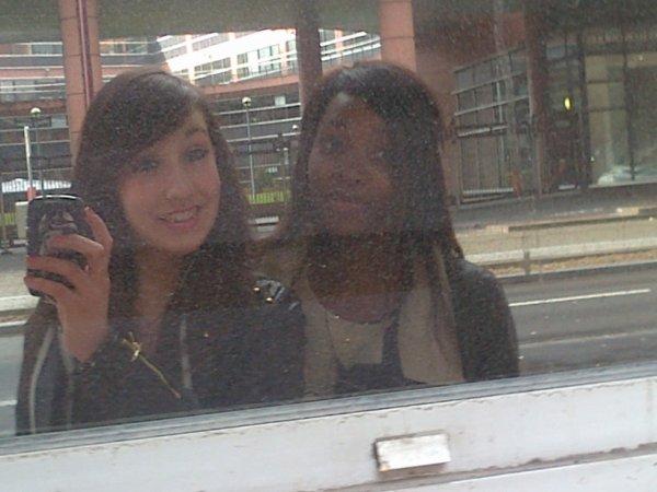 Laura & Gaelle :)