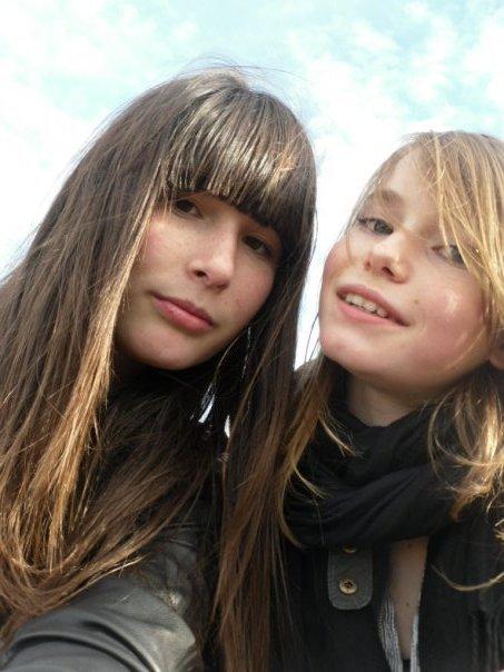 » Chloé et Clαrα-Lou. ♥                                                   Framboise & Perfection