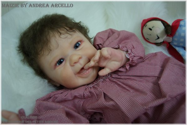 MAIZIE DE ANDREA ARCELLO ADOPTEE SUR EBAY , SOLD-OUT ( USA )