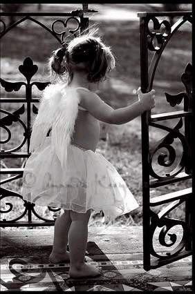 C'est en avancant dans la vie qu'on ce forge le caractère!!! C'est en tombant quand apprend à ce relever et aimer la vie!!!!