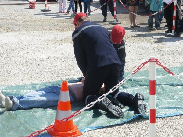 SPECIAL : Man½uvres de secourisme réalisée par les JSP au parc des expositions.