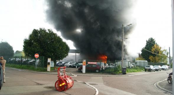Brèves d'infos : incendie au garage PRIM / AUTO situé Boulevard POMPIDOU à TROYES.