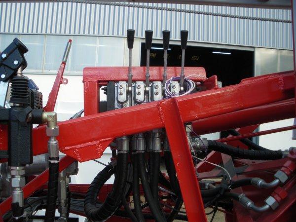 L'Echelle Remorquable 18 mètres de BRIENNE (ER18) devient Echelle Sur Porteur Motorisée (ESPM18).
