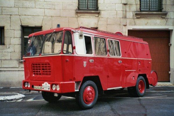 Un regard dans le rétro avec le Fourgon Mixte sur châssis Berliet.