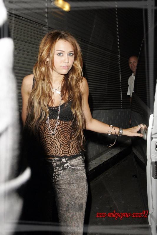 "05 Juin 2010 Iyaz : ""Miley est très drôle !"" =)Miley cyrus ."