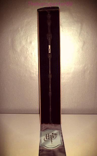 Baguette de Albus Dumbledore en boite Ollivander.