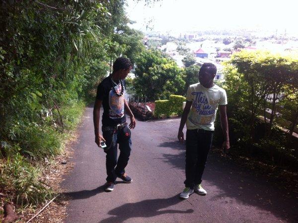 favela / soma jeuness savio feat manan (2012)